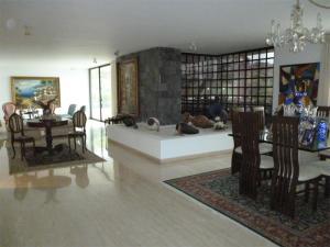 Apartamento En Venta En Caracas - Valle Arriba Código FLEX: 18-6434 No.4