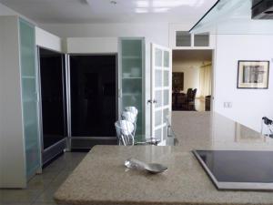Apartamento En Venta En Caracas - Valle Arriba Código FLEX: 18-6434 No.11