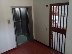 En Venta En Maracay - Andres Bello Código FLEX: 18-6610 No.2
