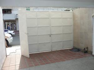 En Venta En Maracay - La Coromoto Código FLEX: 18-6724 No.2