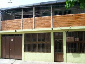 Casa En Venta En Maracay En La Coromoto - Código: 18-6730