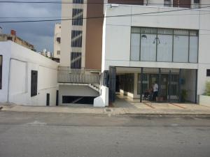 En Venta En Maracay - Zona Centro Código FLEX: 18-6781 No.1