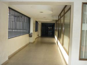 En Venta En Maracay - Zona Centro Código FLEX: 18-6781 No.2