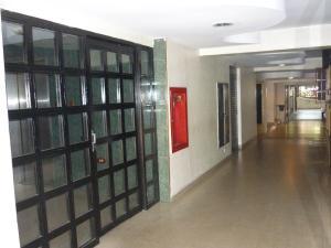 En Venta En Maracay - Zona Centro Código FLEX: 18-6781 No.3