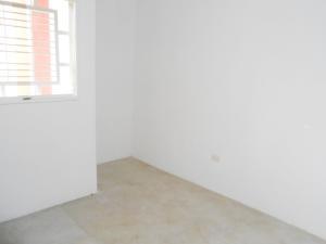 Apartamento En Venta En Intercomunal Maracay-turmero En Zona Industrial Saman de Guere - Código: 18-6805