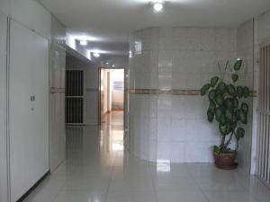 En Venta En Maracay - Calicanto Código FLEX: 18-6811 No.1