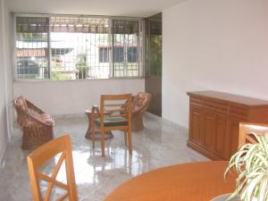 En Venta En Maracay - Calicanto Código FLEX: 18-6811 No.5