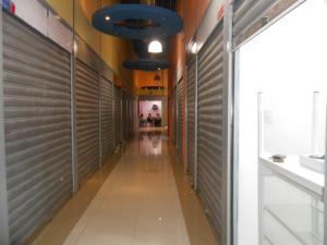 En Venta En Maracay - Zona Centro Código FLEX: 18-6823 No.1