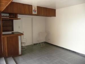 En Venta En Maracay - Urbanizacion El Centro Código FLEX: 18-7063 No.7