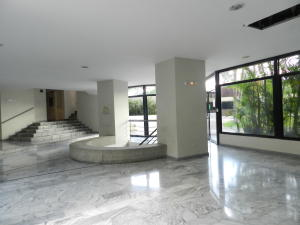 Apartamento En Venta En Caracas - El Pedregal Código FLEX: 18-7077 No.2