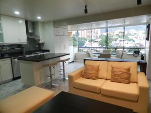 Apartamento En Venta En Caracas - El Pedregal Código FLEX: 18-7077 No.5