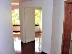 Apartamento En Venta En Caracas - Sabana Grande Código FLEX: 18-7173 No.5