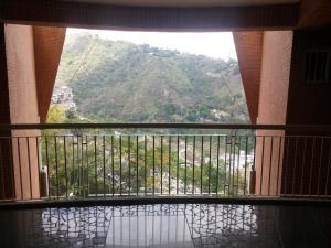 Apartamento En Venta En Caracas - Lomas del Sol Código FLEX: 18-7207 No.3