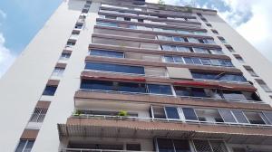 Apartamento En Venta En Caracas - El Marques Código FLEX: 18-7200 No.0