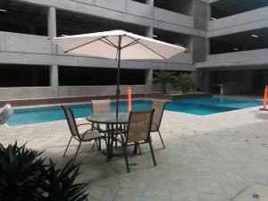 Apartamento En Venta En Maracay En Base Aragua - Código: 18-7297