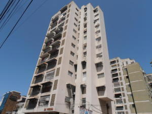 Apartamento En Venta En Maracay En El Centro - Código: 18-7337