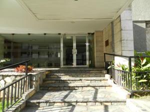En Venta En Caracas - Los Palos Grandes Código FLEX: 18-7361 No.1
