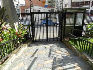 En Venta En Caracas - Los Palos Grandes Código FLEX: 18-7361 No.3