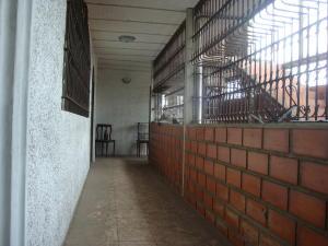 En Venta En Maracay - Santa Rosa Código FLEX: 18-7635 No.4