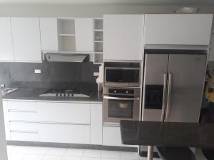 Apartamento En Venta En Caracas - Lomas del Avila Código FLEX: 18-7629 No.3