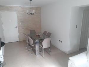 Apartamento En Venta En Caracas - Lomas del Avila Código FLEX: 18-7629 No.5