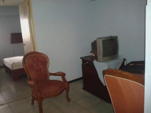 Apartamento En Venta En Caracas - Parroquia Santa Rosalia Código FLEX: 18-8300 No.7