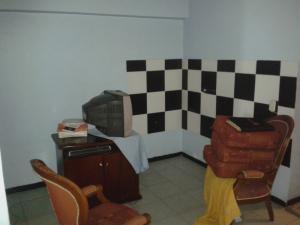 Apartamento En Venta En Caracas - Parroquia Santa Rosalia Código FLEX: 18-8300 No.8
