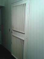 Apartamento En Venta En Caracas - Parroquia Santa Rosalia Código FLEX: 18-8300 No.5