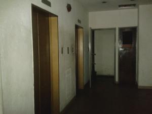 Apartamento En Venta En Caracas - Parroquia Santa Rosalia Código FLEX: 18-8300 No.4