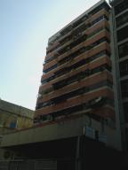 Apartamento En Venta En Caracas - Parroquia Santa Rosalia Código FLEX: 18-8300 No.0