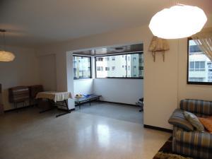 Apartamento En Venta En Caracas - Los Palos Grandes Código FLEX: 18-7840 No.7