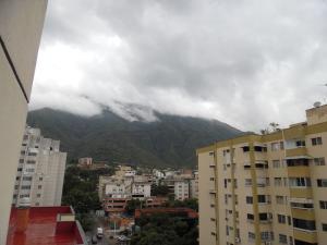 Apartamento En Venta En Caracas - Los Palos Grandes Código FLEX: 18-7840 No.9