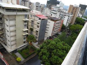 Apartamento En Venta En Caracas - Los Palos Grandes Código FLEX: 18-7840 No.12