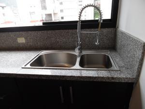 Apartamento En Venta En Caracas - Los Palos Grandes Código FLEX: 18-7840 No.16