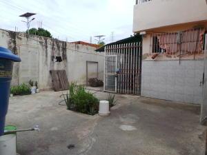 Casa En Venta En Maracay - Pinonal Código FLEX: 18-7716 No.15