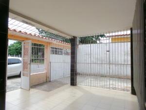 Casa En Venta En Maracay - Pinonal Código FLEX: 18-7716 No.17