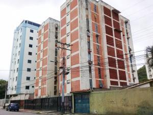 Apartamento En Venta En Maracay En Los Caobos - Código: 18-7942