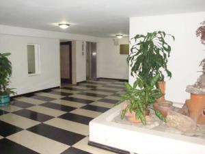 Apartamento En Venta En Caracas - Colinas de Bello Monte Código FLEX: 18-7959 No.3