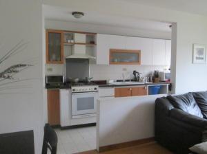 Apartamento En Venta En Caracas - Lomas del Avila Código FLEX: 18-7984 No.11