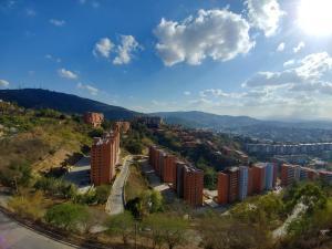 Apartamento En Venta En Caracas - Colinas de La Tahona Código FLEX: 18-7985 No.11