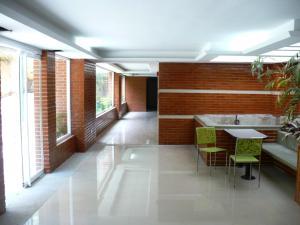 Apartamento En Venta En Caracas - Alto Hatillo Código FLEX: 18-8009 No.6