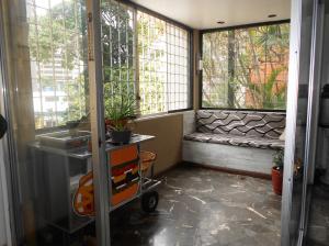 En Venta En Caracas - La Florida Código FLEX: 18-7994 No.4