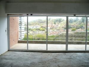 Apartamento En Venta En Caracas - Alto Hatillo Código FLEX: 18-8010 No.2