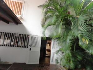 Casa En Venta En Caracas - Sebucan Código FLEX: 18-8390 No.1