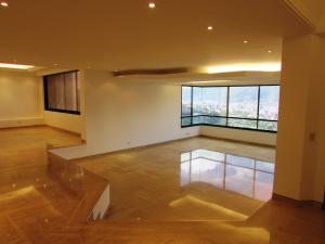 Apartamento En Venta En Caracas - Colinas del Tamanaco Código FLEX: 18-8061 No.2