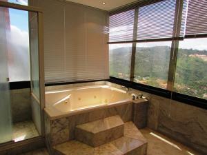 Apartamento En Venta En Caracas - Colinas del Tamanaco Código FLEX: 18-8061 No.13