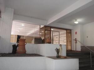 Apartamento En Venta En Caracas - El Paraiso Código FLEX: 18-8224 No.2
