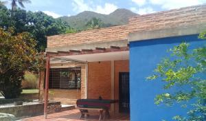 Casa En Venta En Maracay - Lomas de Palmarito Código FLEX: 18-8668 No.17