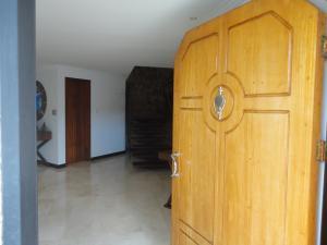 Casa En Venta En Caracas - Alto Hatillo Código FLEX: 18-9114 No.1