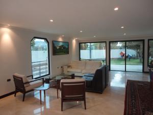 Casa En Venta En Caracas - Alto Hatillo Código FLEX: 18-9114 No.3